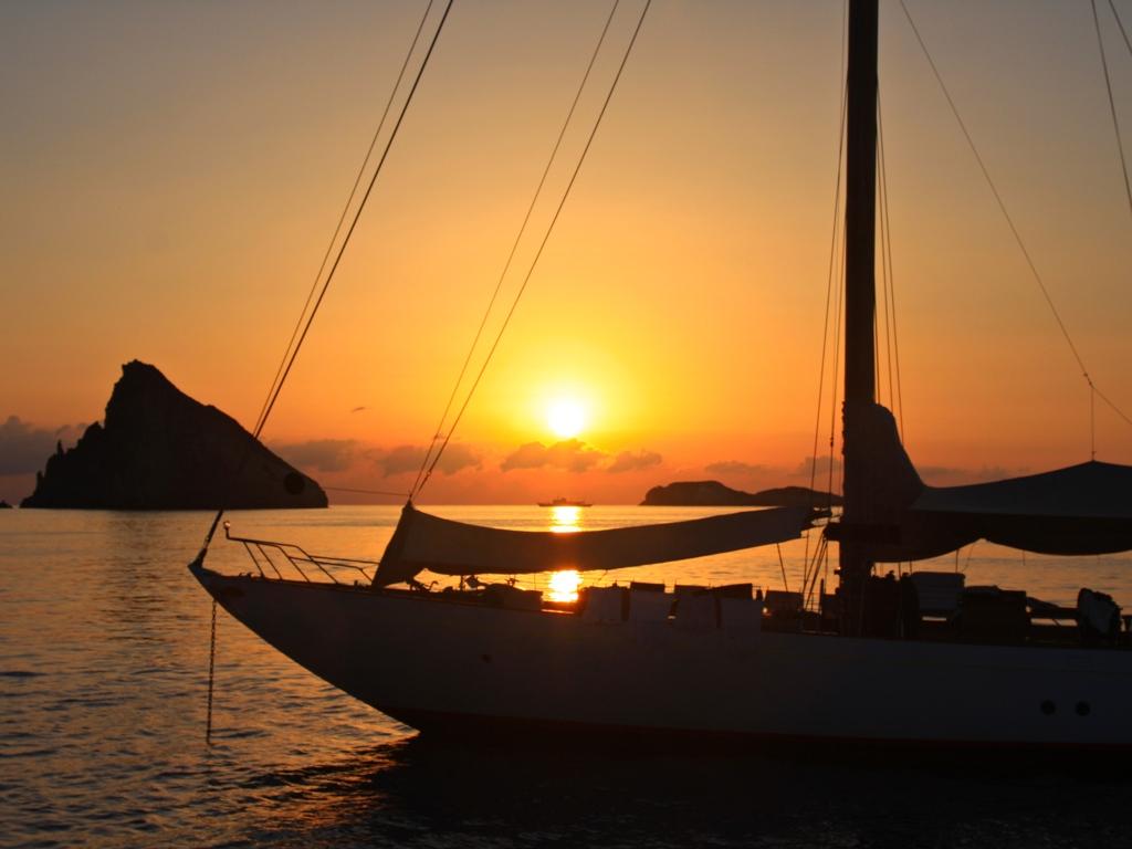 Sunset Yacht 2
